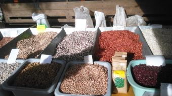 grain and beans at the market Fundao